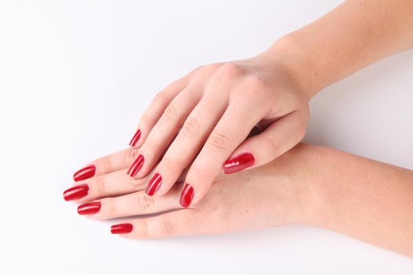 Профессиональные средства для ногтей